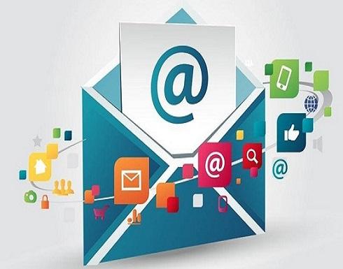 حرب غير معلنة بين البريد الإلكتروني وتطبيقات الدردشة