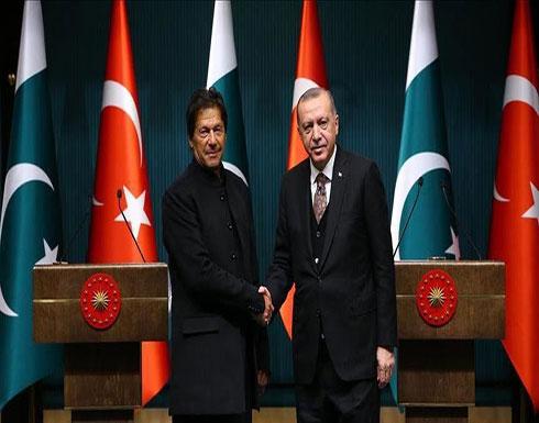 أردوغان وعمران خان يبحثان التطورات في سوريا