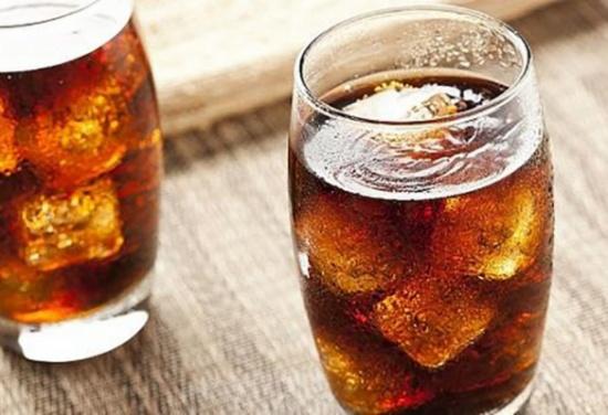 علماء يحذرون من أمراض خطيرة تسببها المشروبات الغازية!