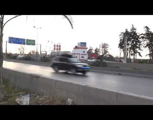 شاهد :لحظة وصول الرئيس بوتفليقة و ظهور في مقدمة السيارة للموكب الرئاسي