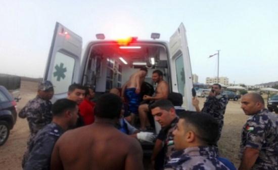 القوة البحرية والزوارق الملكية تنقذ شخصين غرقا في البحر الميت