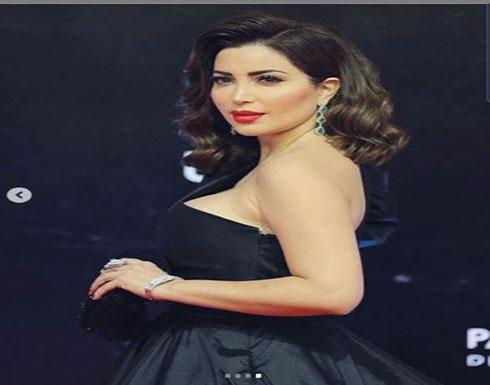 بالفيديو وصور  : بالأسود نسرين طافش تتألق في حفل افتتاح القاهرة السينمائي