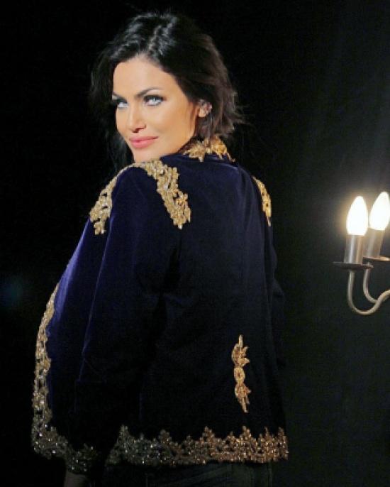 بالصور – فنانة عربية تنشر صور تجهيزات الزفاف فجأة!