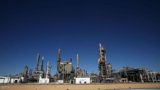 النفط يرتفع مع توقع بنمو الطلب