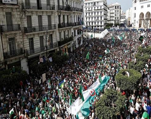 """الجزائر.. مطالب بـ""""مرحلة انتقالية""""ورئاسة توافقية"""