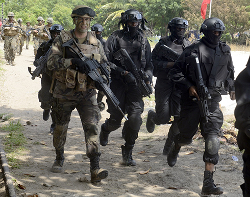 قوات أمريكية تنقذ أمريكيًا مُحتجزًا في نيجيريا.. ومسؤول : مقتل 6 من الخاطفين