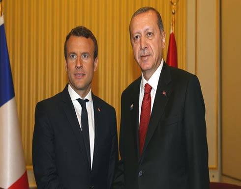 أردوغان وماكرون يبحثان هاتفيا الضربة الثلاثية في سوريا
