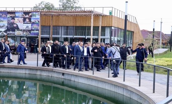 بالصور : الرئيس الشيشاني يفتتح حديقة الملك الحسين في مدينة غروزني