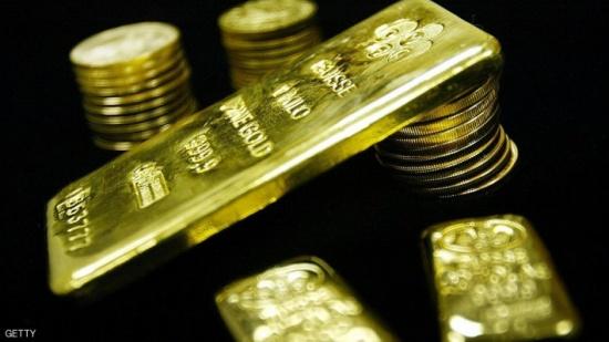 الذهب يرتفع مع تباطؤ رفع الفائدة