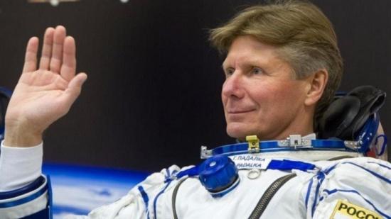 رائد روسي يحطم رقما قياسيا جديدا بقضائه 878 يوما في الفضاء