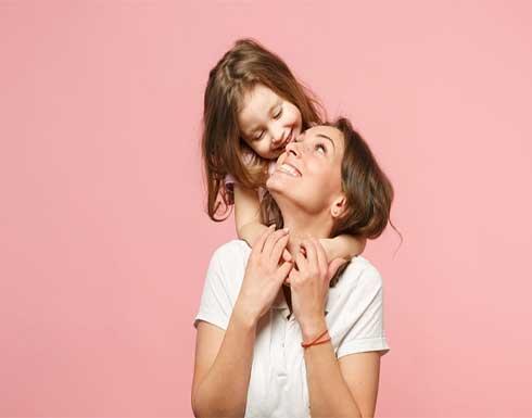 كيف تختلف الأم المصابة بالتوحد عن غيرها في تربية أطفالها؟