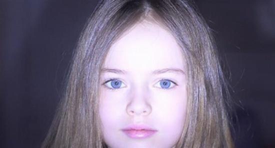 بالصور.. أجمل طفلة في العالم