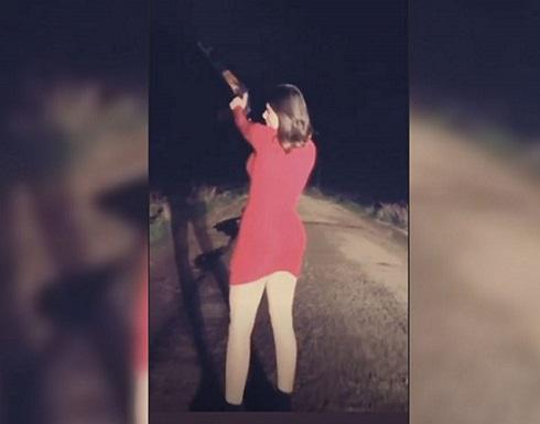 شاهد.. انجي خوري تطلق النار بفستان احمر مثير!