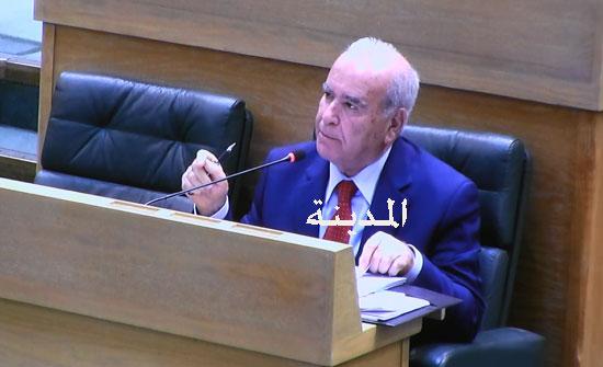 وزير التربية يطلب تزويده بكشوفات المعلمين المضربين والممتنعين عن الدوام