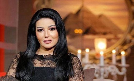 سمية الخشاب تتراقص وتتمايل في الرياض.. شاهد
