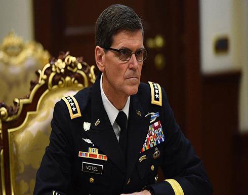"""قائد القيادة المركزية الأمريكية يتفقد """"النجم الساطع"""" شمال غربي مصر"""