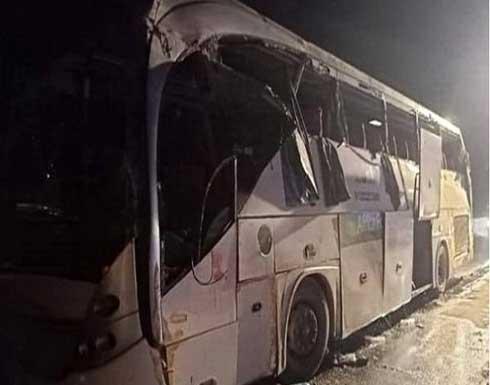 مصرع 12 شخصا في حادث سير في مصر .. بالفيديو