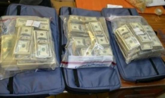 امرأة أخفت 4.2 مليون دولار عن زوجها والسبب..!