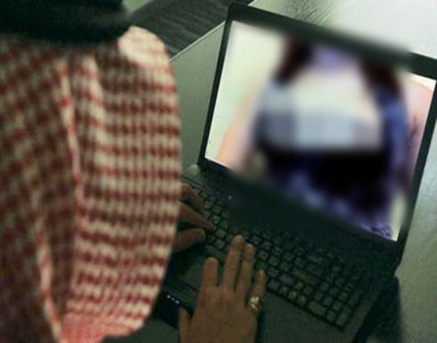 """مصر .. طالب يبتز خطيبته السابقة بصور ويبرر:""""عايز أتجوزها"""""""