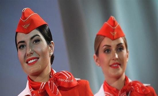 طلاء الشفاه فاقع الحمرة مرتبط بسلامة ركاب الطائرات.. إليكم التفاصيل