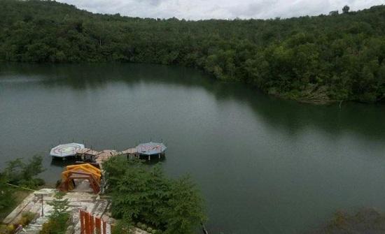 اندونيسا : غرق 5 اشخاص في بحيرة بسبب صورة سيلفي