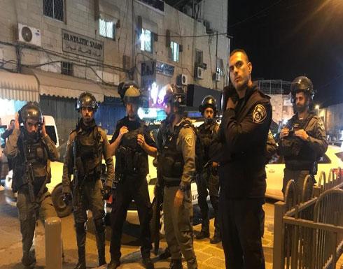 الاحتلال يعتقل مقدسيين مشاركين بوقفة تضامنية بالقدس