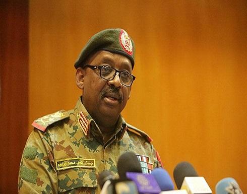 شاهد : نقل جثمان وزير الدفاع السوداني من جوبا إلى السودان