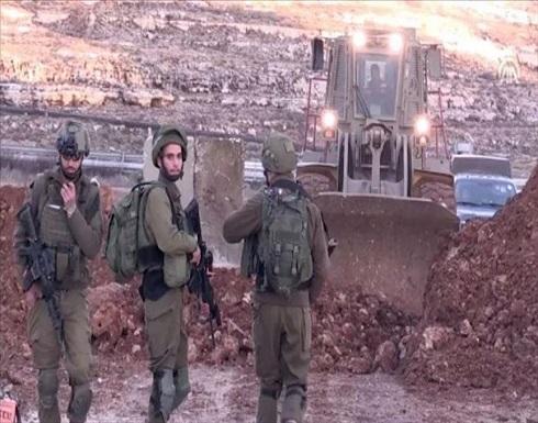 الجيش الإسرائيلي يشرع بإقامة عائق جديد على حدود غزة