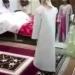 بالفيديو.. شاهد كيف استقبلت عروس شابة عريسها العجوز