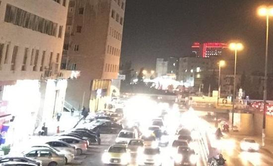 قبيل الحظر .. بالفيديو والصور : ازمة سير خانقة في شوارع عمان
