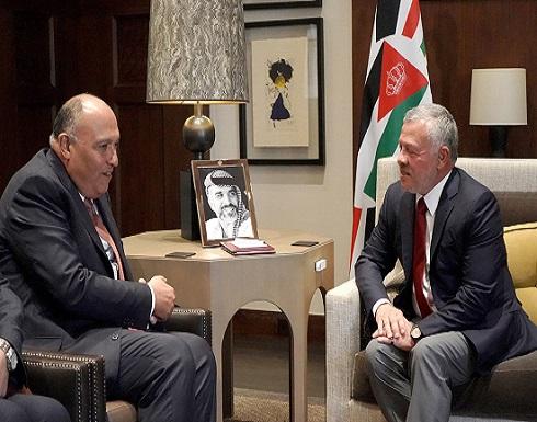 الملك يتسلم رسالة من الرئيس المصري