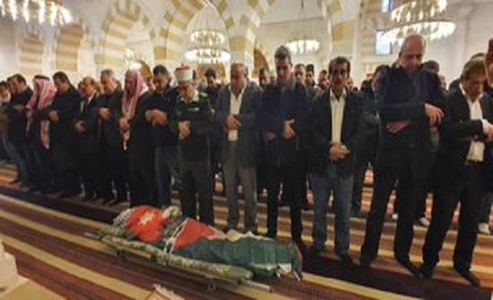 بالصور : تشييع جثمان الأسير سامي أبو دياك