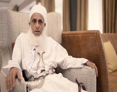 تغريدة نارية لمفتي عمان الشيخ أحمد الخليلي عن الرسول الكريم بعد إساءة ماكرون تلقى تفاعلا واسعا