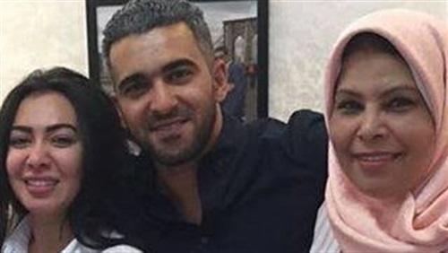 ميرهان حسين معلقة على صورة والدتها: «عائلتي حياتي»