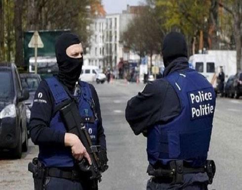 بلجيكا.. اعتقال امرأة يتسبب بإصابة 36 شرطيا - فيديو