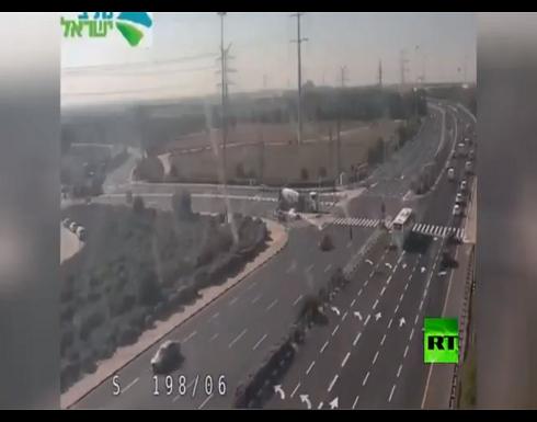 كاميرا ترصد لحظة إنفجار صاروخ فلسطيني داخل الأراضي المحتلة
