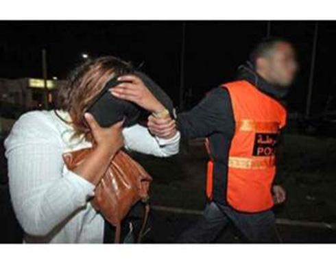 زوجة تخدِّر زوجها كل ليلة وتجلب عشيقها  الى الفراش بجواره في المغرب
