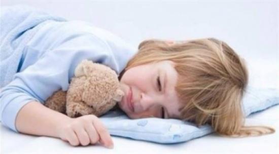 شعور الطفل بالألم خلال نومه.. علام يدل؟
