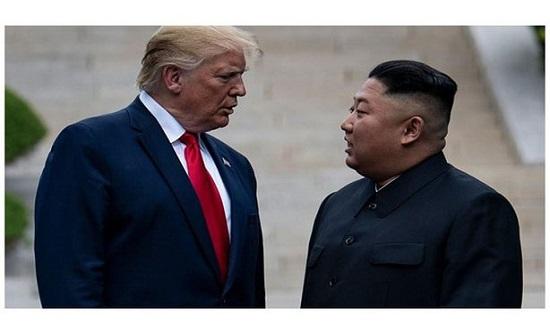 """""""كيم جونغ"""" يعترف لـ""""ترامب"""" بقطع رأس زوج عمته"""