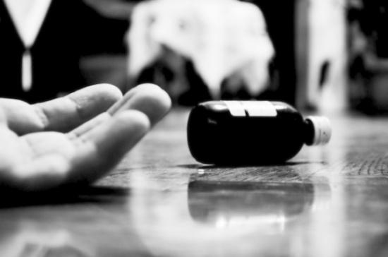 بعد انتحار 4 طلاب بسبب نتيجة التيرم.. طبيب نفسي يفسر السبب وراء ذلك