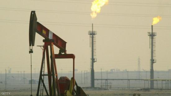 النفط مستقر مع تراجع عدد الحفارات الأميركية