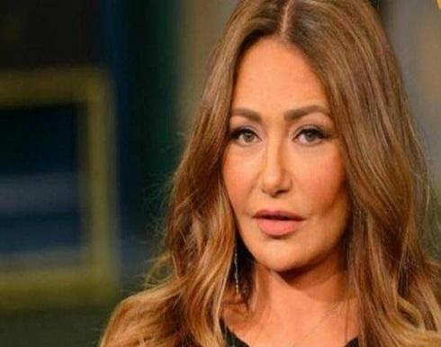بالفيديو : ليلى علوي تبكي متأثرة بوفاة شقيقة أنغام في مهرجان السينما العربية