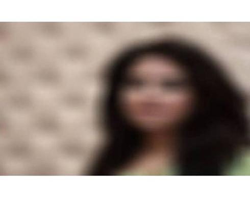 ممثلة هندية شابة تتهم مخرجًا شهيرًا باستدراجها لمنزله ومواقعتها جنسيًا .. صورة