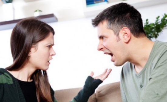 متى تكون الزوجة مستهترة ؟.. 6 علامات تجيبك