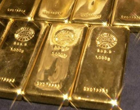 الذهب يهبط والدولار يتعافى