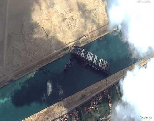 رئيس هيئة قناة السويس: دفة السفينة العالقة تحررت وتتحرك 30 درجة يمينا ويسارا