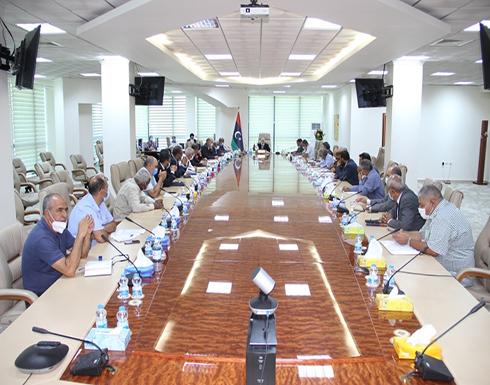 المؤسسة الوطنية للنفط في ليبيا تبحثُ التحديات التي يمر بها القطاع
