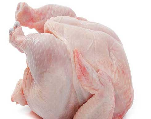 هل يسبب غسل الدجاج قبل الطهي خطرًا على الصحة؟