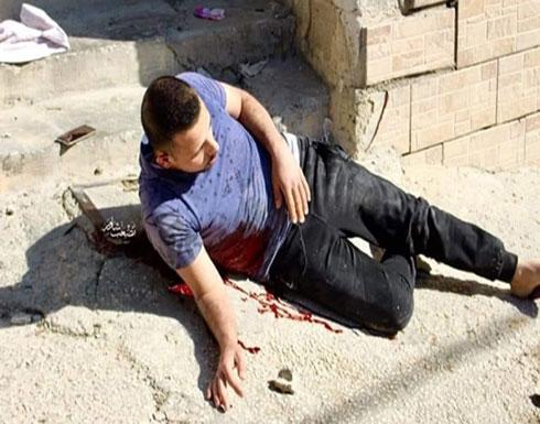 """شاهد : لحظة اطلاق جنود الاحتلال النار صوب الشهيد """"عمر هيثم البدوي"""" في مخيم العروب بالخليل"""