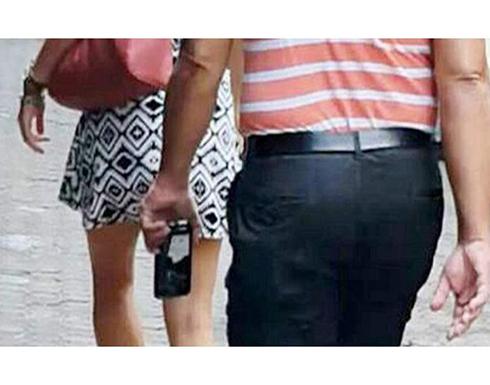 بالفيديو : يصور مناطق خاصة في اجساد النساء وينشرها عبر الانترنت في اسبانيا
